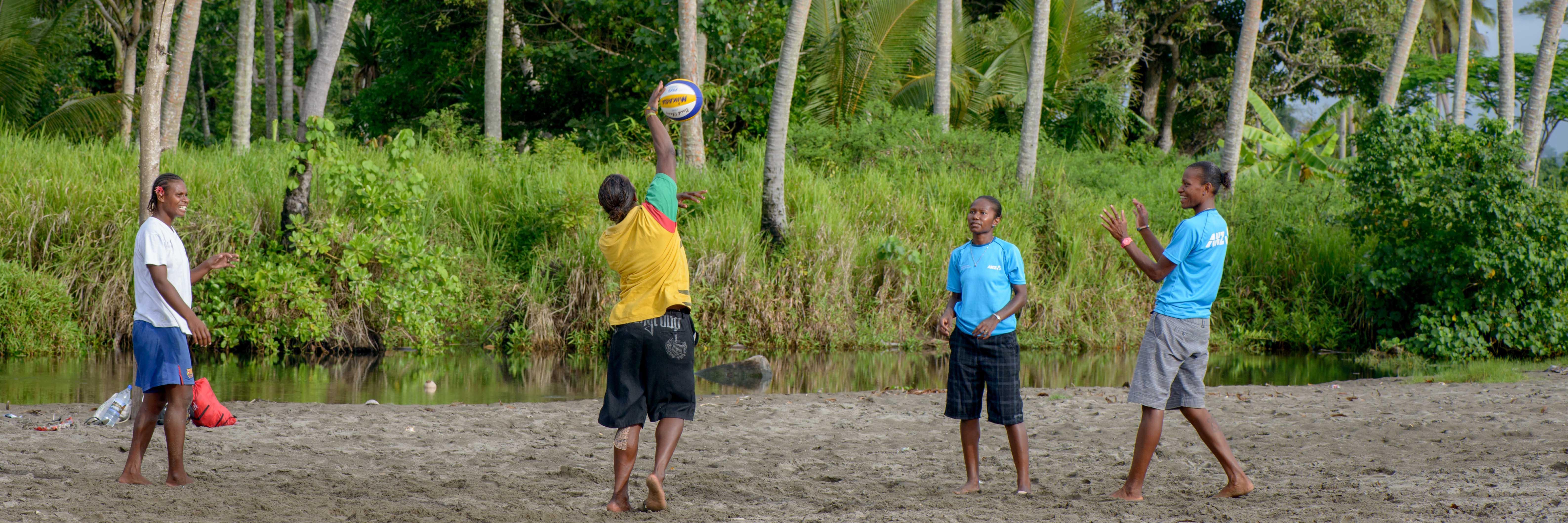 vila-beach-volleyball-candids-30